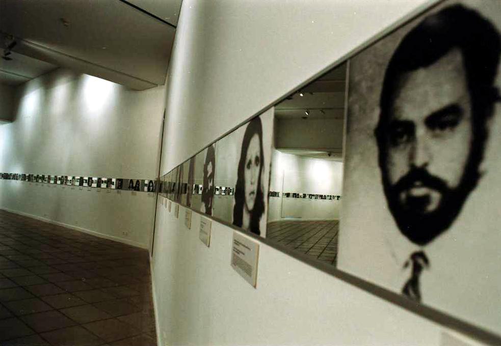 1998-11 Visuales Identidad Madres de Plaza 4
